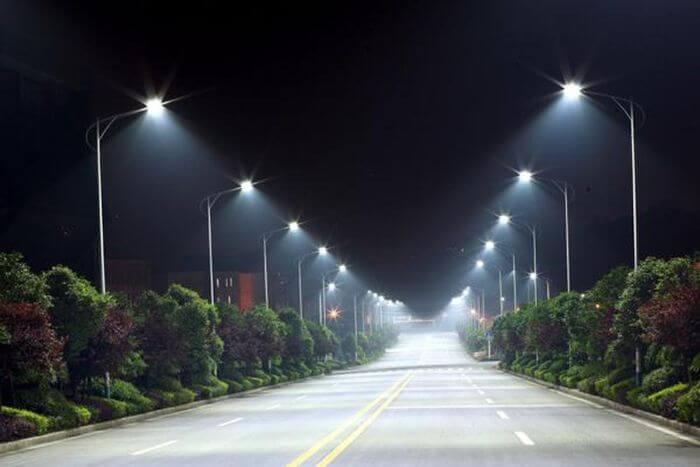 Giá đèn LED đường phố Paragon vô cùng phải chăng
