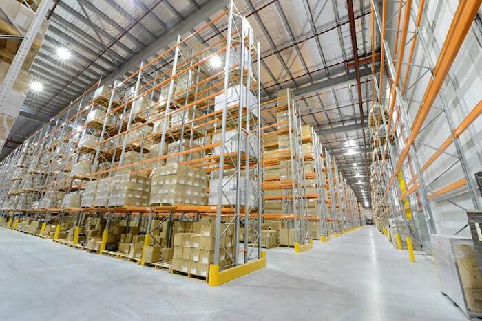 Đèn led nhà xưởng của Rạng Đông được ứng dụng cả trong sản xuất và dân dụng