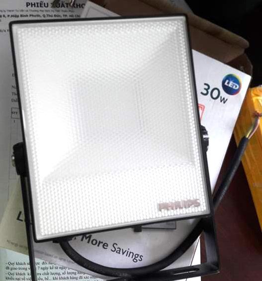 Đèn pha Led Philips BVP ánh sáng đồng đều giảm chói